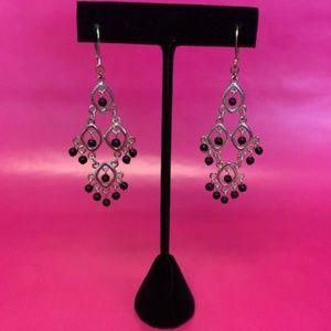SILVER DANGLE EARRINGS WITH BLACK BEADS
